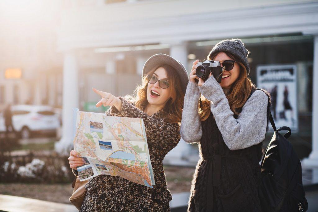 friends traveling together